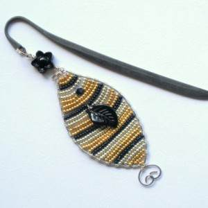 Goldie Beaded Bookmark Project Idea