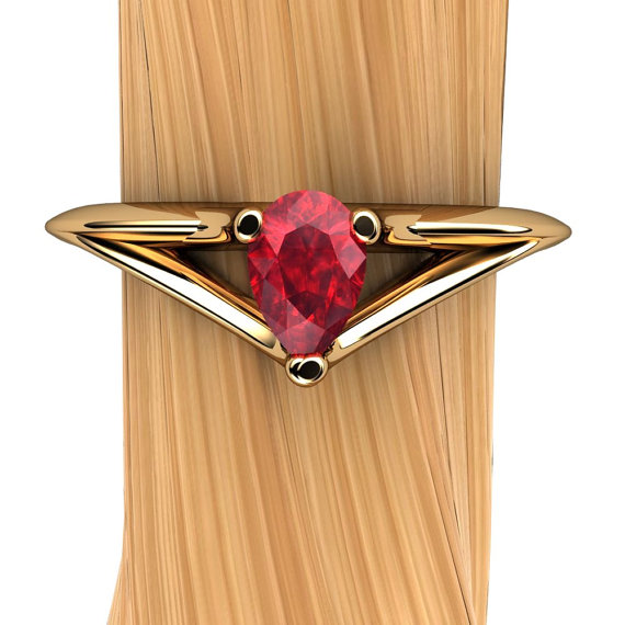 Ruby Ring In 18k Yellow Gold   Pear-shaped Natural Genuine Ruby Ring
