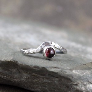 Garnet Wave Ring – Sterling Silver Garnet Ring – January Birthstone Rings – Red Gemstone Rings – Rustic Jewellery – Promise Friendship Ring