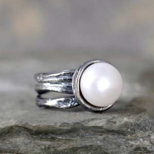 Fresh Water Pearl Ring – Sterling Silver – Textured Twig Band – June Birthstone Rings – Statement Ring – Cocktail Ring – White Pearl Ring