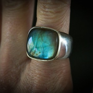Labradorite ring – Labradorite Mens ring – Size 7-14 Labradorite – Sterling Silver –  Labradorite – Men's Labradorite Ring | Natural genuine Labradorite mens fashion rings, simple unique handcrafted gemstone men's rings, gifts for men. Anillos hombre. #rings #jewelry #crystaljewelry #gemstonejewelry #handmadejewelry #affiliate #ad