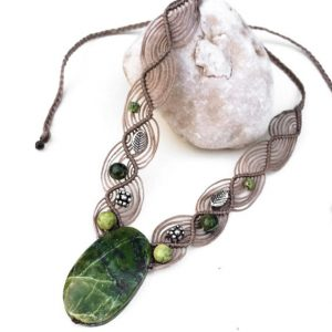 Green Jade Macrame Necklace, Harmonized Green Tones And Soft Wavy Macrame Art. Natural Stones Necklace, Boho, Oval Jade, Handmade, Gift Idea