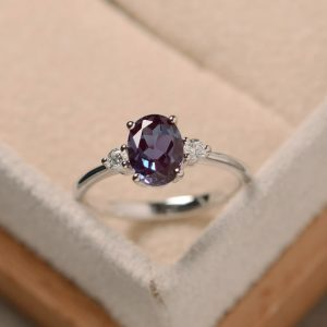 Oval alexandrite ring, silver, alexandrite jewelry, gemstone ring | Natural genuine Alexandrite rings, simple unique handcrafted gemstone rings. #rings #jewelry #shopping #gift #handmade #fashion #style #affiliate #ad