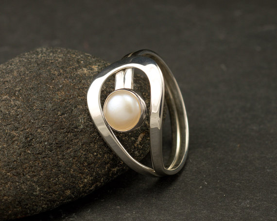 Pearl Ring- Silver Pearl Ring- Gemstone Ring- Sterling Silver Ring- White Pearl Ring- June Birthstone Ring- Freshwater Pearl