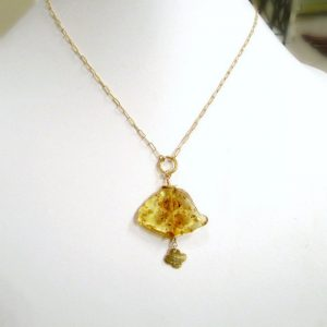 Yellow Necklace – Amber Gemstone – Gold Jewelry – November Birthstone Jewellery – Slice – Slab – Pendant – Drop – Quatrefoil  N-108
