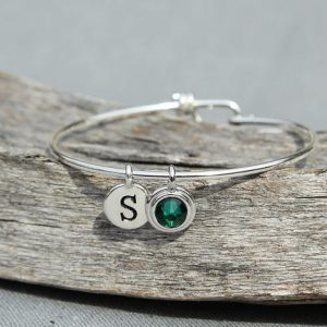 Mom Bracelet Initials Birthstone Mothers Bracelet, Mommy Bracelet Initial, Personalized Grandma Jewelry, Emerald May Birthstone Jewelry,