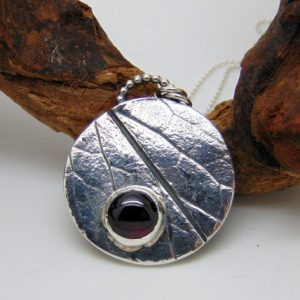 Sterling Silver Garnet Pendant – January Birthstone – Silver Pendant – Birthstone Jewellery – Leaf Pendant – Nature Jewellery