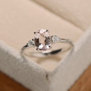 Real natural morganite ring, pink stone, sterling silver, oval shape,rose gold engagement ring | Natural genuine Gemstone rings, simple unique alternative gemstone engagement rings. #rings #jewelry #bridal #wedding #jewelryaccessories #engagementrings #weddingideas #affiliate #ad