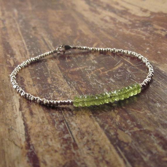 Peridot Bracelet, August Birthstone Bracelet, Silver Beaded Bracelets For Women, Heart Chakra Bracelet, Peridot Jewelry, Minimalist Bracelet
