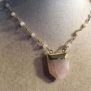 Pink Necklace – Rose Quartz Jewellery – Gold Jewelry – Gemstone Pendant – Arrow – Chain