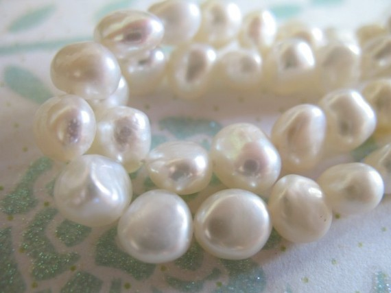 10% Off Sale.. Potato Pearls, Freshwater Pearls, Cultured Pearl Beads, Full Strand, 7x5 Mm, White / Black / Silver Gray Bridal Pb Wf