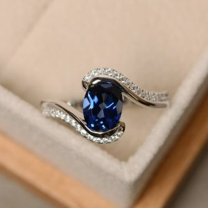 Sapphire ring, blue sapphire, oval cut sapphire, engagement ring | Natural genuine Array rings, simple unique alternative gemstone engagement rings. #rings #jewelry #bridal #wedding #jewelryaccessories #engagementrings #weddingideas #affiliate #ad
