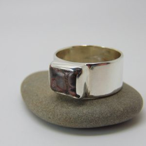 Shop Agate Rings! Sterling Silver Agate Ring, Leopard Print Agate Jewellery, Minimalist Jewellery, Us Size 9, Uk Size R | Natural genuine Agate rings, simple unique handcrafted gemstone rings. #rings #jewelry #shopping #gift #handmade #fashion #style #affiliate #ad