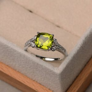Cushion cut natural green peridot ring, promise ring, August birthstone ring ,sterling silver ring