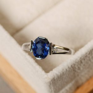 Shop Sapphire Rings! Blue sapphire ring, oval cut, gemstone ring, promise ring, September birthstone ring | Natural genuine Sapphire rings, simple unique handcrafted gemstone rings. #rings #jewelry #shopping #gift #handmade #fashion #style #affiliate #ad
