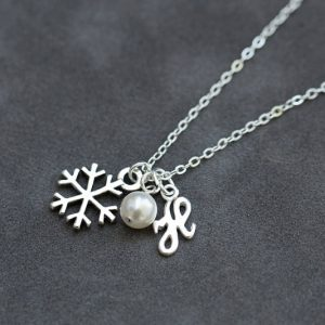 Shop Pearl Necklaces! Sterling Silver Snowflake Necklace, Personalized Initial Jewelry, Winter Bridesmaid Gift, Pearl Initial Necklace | Natural genuine Pearl necklaces. Buy crystal jewelry, handmade handcrafted artisan jewelry for women.  Unique handmade gift ideas. #jewelry #beadednecklaces #beadedjewelry #gift #shopping #handmadejewelry #fashion #style #product #necklaces #affiliate #ad
