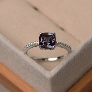 Alexandrite Ring, Cushion Cut Engagement Ring, Color Changing Ring ,birthstone Ring Silver