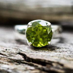 Peridot Ring Size 7 Peridot ring – Clean Peridot Ring – August Birthstone – August Birthstone – Peridot jewelry Size 7 Ring
