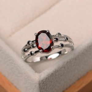 Natural Red Garnet Ring, Wedding Ring, Oval Cut Gemstone, January Birthstone, Sterling Silver Ring