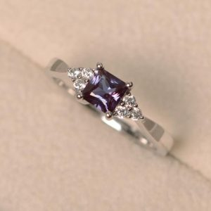 Shop Alexandrite Rings! Princess Cut Lab Alexandrite Ring, Sterling Silver Ring, 4-prong Setting | Natural genuine Alexandrite rings, simple unique handcrafted gemstone rings. #rings #jewelry #shopping #gift #handmade #fashion #style #affiliate #ad