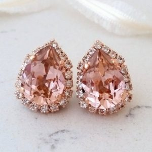 Bridal earrings,Blush earrings,Rose gold morganite earrings,Rose gold bridal earrings,bridesmaid earrings,blush earrings,Swarovski earrings | Natural genuine Gemstone earrings. Buy handcrafted artisan wedding jewelry.  Unique handmade bridal jewelry gift ideas. #jewelry #beadedearrings #gift #crystaljewelry #shopping #handmadejewelry #wedding #bridal #earrings #affiliate #ad