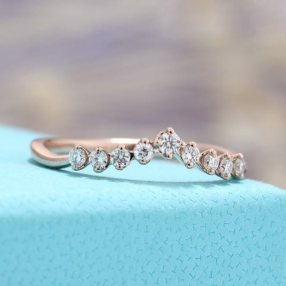 Rose Gold Curved Wedding Band Women Diamond Ring Chevron Anniversary Ring Unique Delicate Antique Stacking Eternity Bridal Alternative