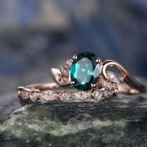 Shop Emerald Engagement Rings! Emerald Engagement Ring Set Rose Gold Emerald Ring Vintage Diamond Ring 2pcs Floral Wedding Bridal Set May Birthstone Unique Promise Ring | Natural genuine Emerald rings, simple unique alternative gemstone engagement rings. #rings #jewelry #bridal #wedding #jewelryaccessories #engagementrings #weddingideas #affiliate #ad