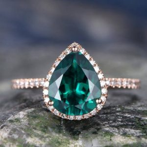 Emerald wedding ring 7x9mm pear cut emerald engagement ring rose gold handmade diamond halo ring may birthstone bridal promise ring for her | Natural genuine Gemstone rings, simple unique alternative gemstone engagement rings. #rings #jewelry #bridal #wedding #jewelryaccessories #engagementrings #weddingideas #affiliate #ad