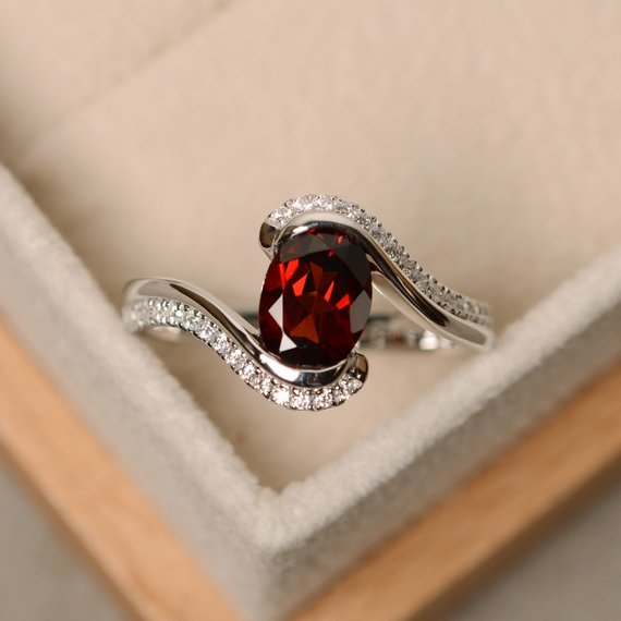 Garnet Ring, Oval Cut Garnet, Engagement Ring, Natural Garnet, January Birthstone, Ring Garnet