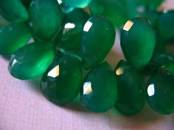 Green Chalcedony Pear Briolettes Beads / 2-20 Pcs, Luxe Aaa, 10-12 Mm, Green Onyx Emerald Green May Birthstone Holidays 1012 Solo