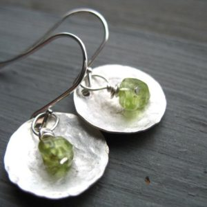 Shop Peridot Jewelry! Peridot Earrings, Metalwork Peridot Hammered Silver Dome Handmade Earrings, Peridot Dangle DropEarrings | Natural genuine Peridot jewelry. Buy crystal jewelry, handmade handcrafted artisan jewelry for women.  Unique handmade gift ideas. #jewelry #beadedjewelry #beadedjewelry #gift #shopping #handmadejewelry #fashion #style #product #jewelry #affiliate #ad