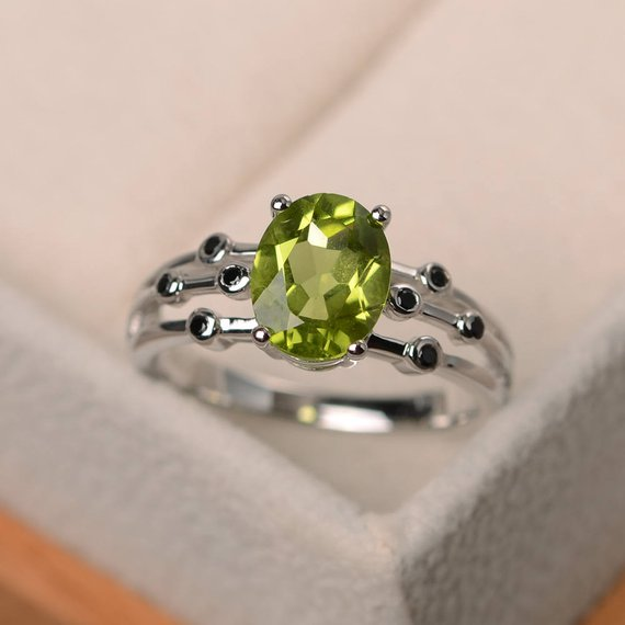 Wedding Ring, Natural Green Peridot Ring, Sterling Silver Ring,oval Cut Gemstone, August Birthstone