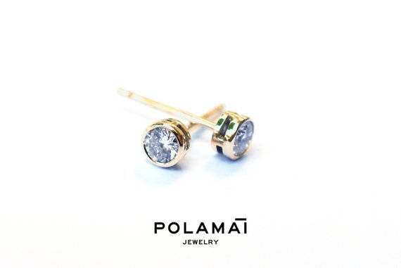 Diamond Earrings 18k Solid Gold 0.40 0.20 Ctw . Stud Solitaire Earrings . Round Bezel Set . Yellow Gold . Polamai Jewelry