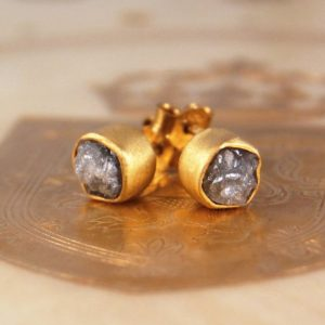Diamond Stud Earrings, Rough Diamonds, Gold Studs, Gold Gemstone Studs, Engagement Gift, Gifts for Her, Diamond Earrings, Bridal Jewelry | Natural genuine Gemstone earrings. Buy handcrafted artisan wedding jewelry.  Unique handmade bridal jewelry gift ideas. #jewelry #beadedearrings #gift #crystaljewelry #shopping #handmadejewelry #wedding #bridal #earrings #affiliate #ad
