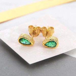 Emerald Earrings, May Birthstone Jewelry, Emerald Studs, Gold Earrings, Stud Earrings, Gold Studs, Birthstone Earrings, Birthstone Gift | Natural genuine Emerald earrings. Buy crystal jewelry, handmade handcrafted artisan jewelry for women.  Unique handmade gift ideas. #jewelry #beadedearrings #beadedjewelry #gift #shopping #handmadejewelry #fashion #style #product #earrings #affiliate #ad