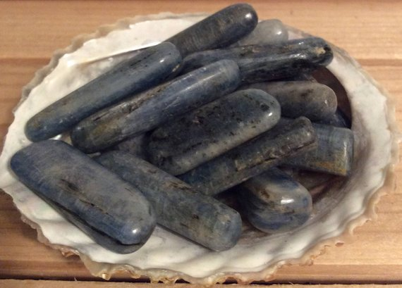 Kyanite Medium Healing Stone, Blue Kyanite, Healing Crystal, Spiritual Stone, Meditation, Tumbled Stone