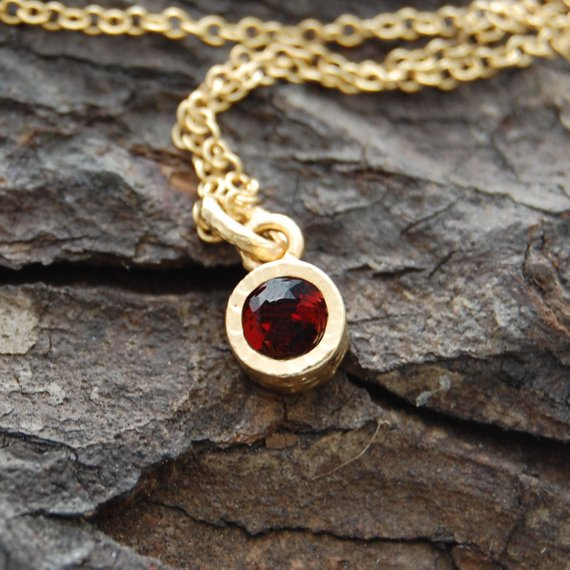 Gold Gemstone Necklace, Garnet Necklace, Gold Necklace, Gemstone Pendant, January Birthstone Necklace, Birthstone Jewelry, Vintage Inspired