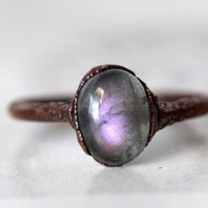 Labradorite Ring – Purple Labradorite – Crystal Ring – Copper and Labradorite Ring | Natural genuine Labradorite rings, simple unique handcrafted gemstone rings. #rings #jewelry #shopping #gift #handmade #fashion #style #affiliate #ad