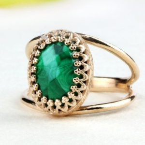 Malachite ring,rose gold ring,pink gold ring,oval ring,14k rose gold ring,gemstone ring,mineral ring | Natural genuine Malachite rings, simple unique handcrafted gemstone rings. #rings #jewelry #shopping #gift #handmade #fashion #style #affiliate #ad
