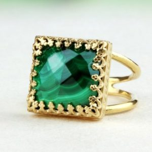 Malachite ring,gold ring,solid gold ring,gemstone ring,birthstone rings,gold stone ring,14k gold filled ring | Natural genuine Malachite rings, simple unique handcrafted gemstone rings. #rings #jewelry #shopping #gift #handmade #fashion #style #affiliate #ad
