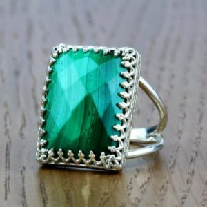 Malachite Ring,silver ring,rectangular ring,statement ring,gemstone ring,green ring,mom gift | Natural genuine Malachite rings, simple unique handcrafted gemstone rings. #rings #jewelry #shopping #gift #handmade #fashion #style #affiliate #ad