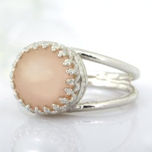 Shop Pearl Rings! Peach Pearl Ring, sterling Silver Ring, bridal Ring, wedding Ring, bridesmaid Gifts, wedding Gifts, anniversary Ring | Natural genuine Pearl rings, simple unique alternative gemstone engagement rings. #rings #jewelry #bridal #wedding #jewelryaccessories #engagementrings #weddingideas #affiliate #ad