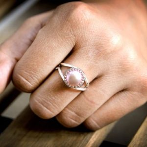 Shop Pearl Rings! Pink pearl ring,sterling silver ring,bridal ring,wedding ring,bridal pearl jewelry,pink bridal jewelry,bridesmaid ri | Natural genuine Pearl rings, simple unique alternative gemstone engagement rings. #rings #jewelry #bridal #wedding #jewelryaccessories #engagementrings #weddingideas #affiliate #ad