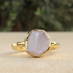 Shop Kunzite Jewelry! Pink Stone Gold Ring, Raw Kunzite Ring, Bridesmaids Gift, Rough Gemstone Ring, Bridesmaid Jewellery | Natural genuine Kunzite jewelry. Buy crystal jewelry, handmade handcrafted artisan jewelry for women.  Unique handmade gift ideas. #jewelry #beadedjewelry #beadedjewelry #gift #shopping #handmadejewelry #fashion #style #product #jewelry #affiliate #ad