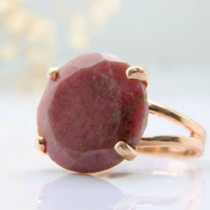 Rhodonite Ring, rose Gold Ring, pink Cocktail Ring, event Ring, wow Ring, dark Pink Ring, gemstone Ring | Natural genuine Rhodonite rings, simple unique handcrafted gemstone rings. #rings #jewelry #shopping #gift #handmade #fashion #style #affiliate #ad