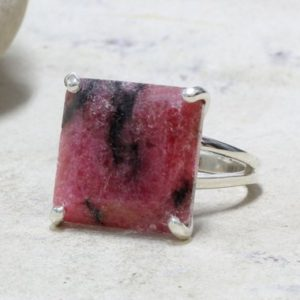 Square Silver Ring, gemstone Ring, pink Stone Ring, prong Ring, cocktail Ring, rhodonite Ring, unique Gifts, engagement Rin | Natural genuine Rhodonite rings, simple unique alternative gemstone engagement rings. #rings #jewelry #bridal #wedding #jewelryaccessories #engagementrings #weddingideas #affiliate #ad