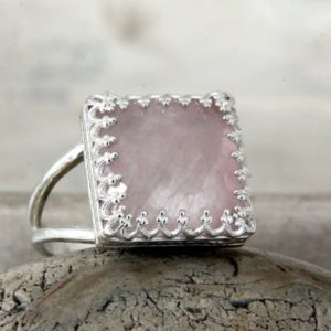 Shop Rose Quartz Rings! Love Ring, rose Quartz Ring, silver Ring, semiprecious Ring, birthday Gift, october Birthstone Ring, i Love You Ring, brida | Natural genuine Rose Quartz rings, simple unique handcrafted gemstone rings. #rings #jewelry #shopping #gift #handmade #fashion #style #affiliate #ad