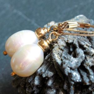 White Pearls Gold Filled Earrings artisan boho luxe classic bridal wedding bridesmaid gift June birthstone holiday gift for her women 4898 | Natural genuine Gemstone earrings. Buy handcrafted artisan wedding jewelry.  Unique handmade bridal jewelry gift ideas. #jewelry #beadedearrings #gift #crystaljewelry #shopping #handmadejewelry #wedding #bridal #earrings #affiliate #ad