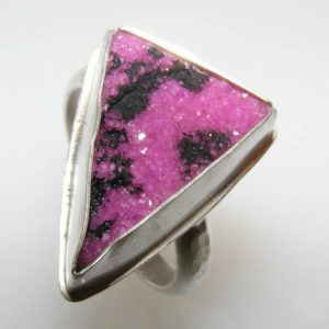 Shop Calcite Rings! Pink and Black Cobalto Calcite Druzy Drusy Ring Size 9 in Sterling Silver with Hammered Band | Natural genuine Calcite rings, simple unique handcrafted gemstone rings. #rings #jewelry #shopping #gift #handmade #fashion #style #affiliate #ad