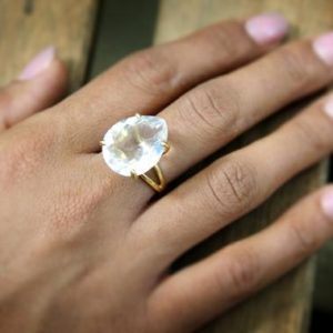 Teardrop Ring, crystal Quartz Ring, thick Gemstone Ring, double Band Ring, prong Setting Ring, wedding Ring | Natural genuine Quartz rings, simple unique alternative gemstone engagement rings. #rings #jewelry #bridal #wedding #jewelryaccessories #engagementrings #weddingideas #affiliate #ad